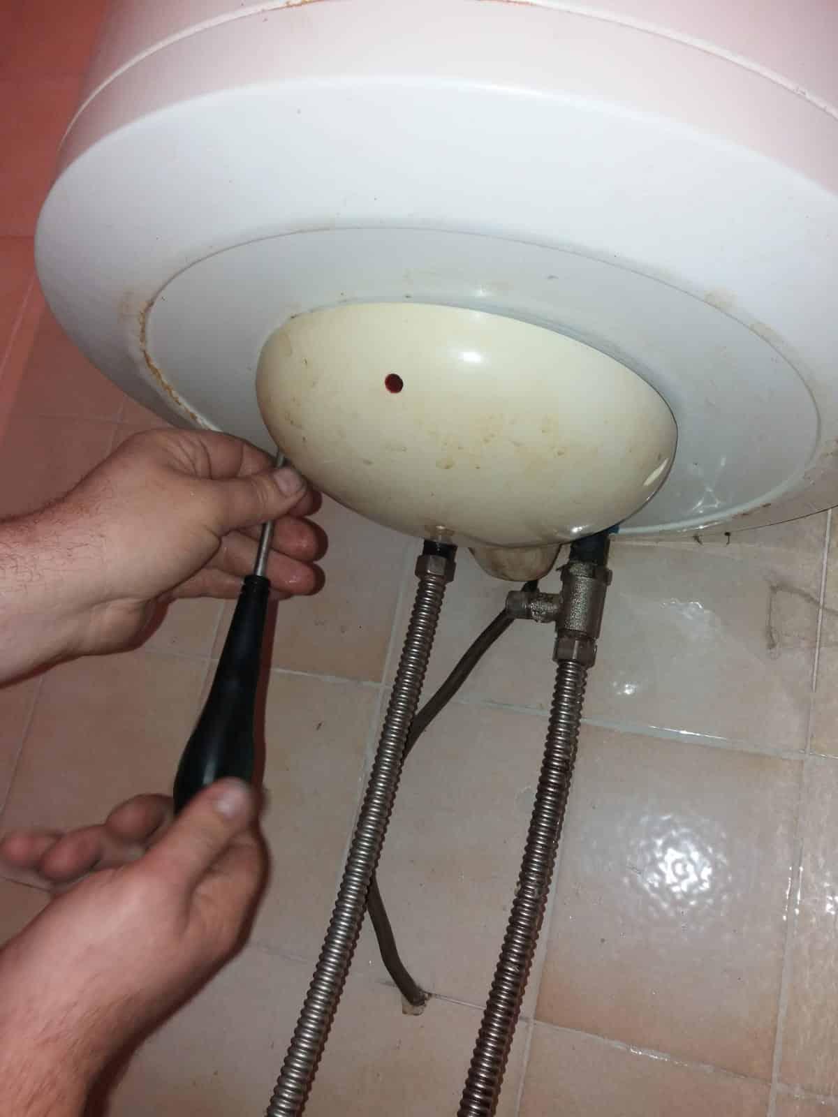 Zamena grejača i termostata na bojleru